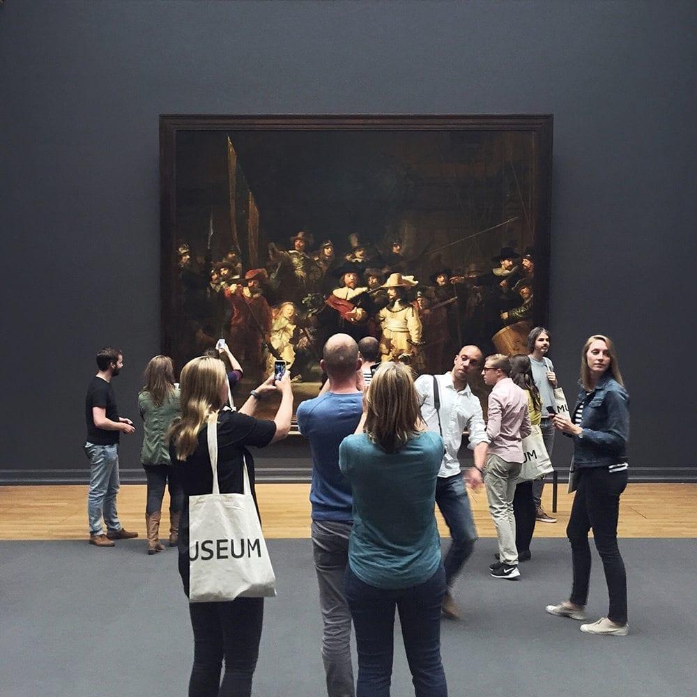 instagrammer meet Empty Rijksmuseum Amsterdam EmptyRijks