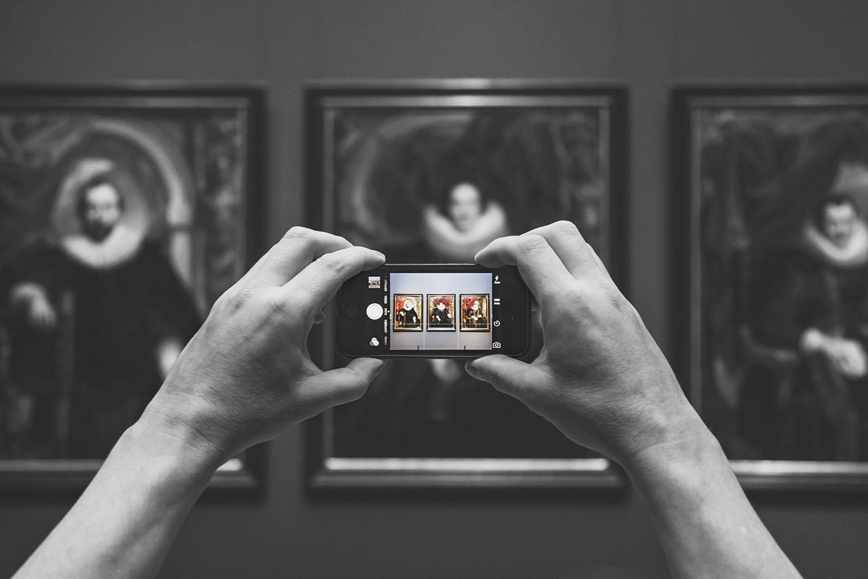 instagrammer meet Empty Rijksmuseum Amsterdam