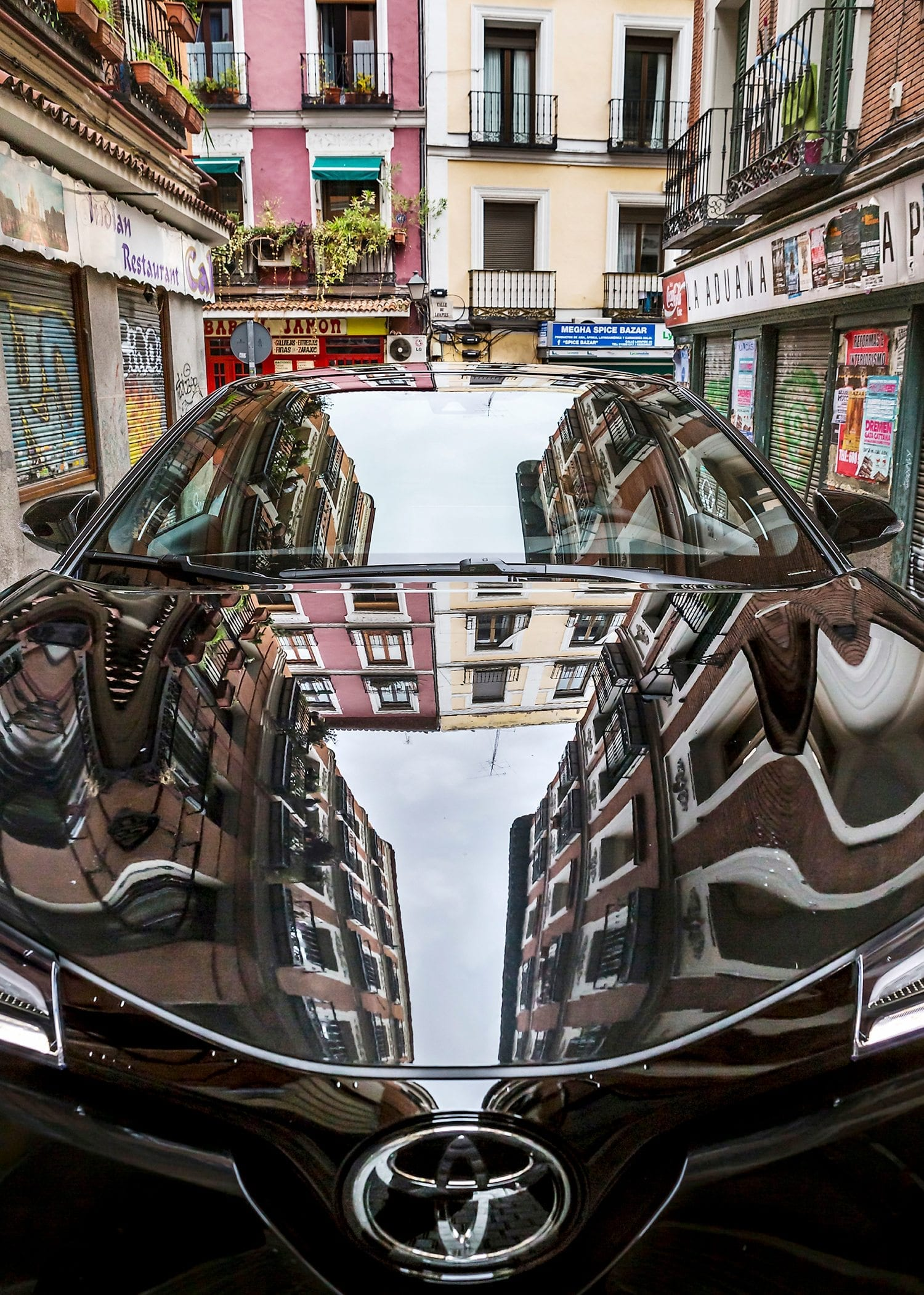 Urban reflections Madrid Toyota C-HR car Toyota Motor Europe hybrid car photography picturelyspoken SeeMyCity Marianne Hope