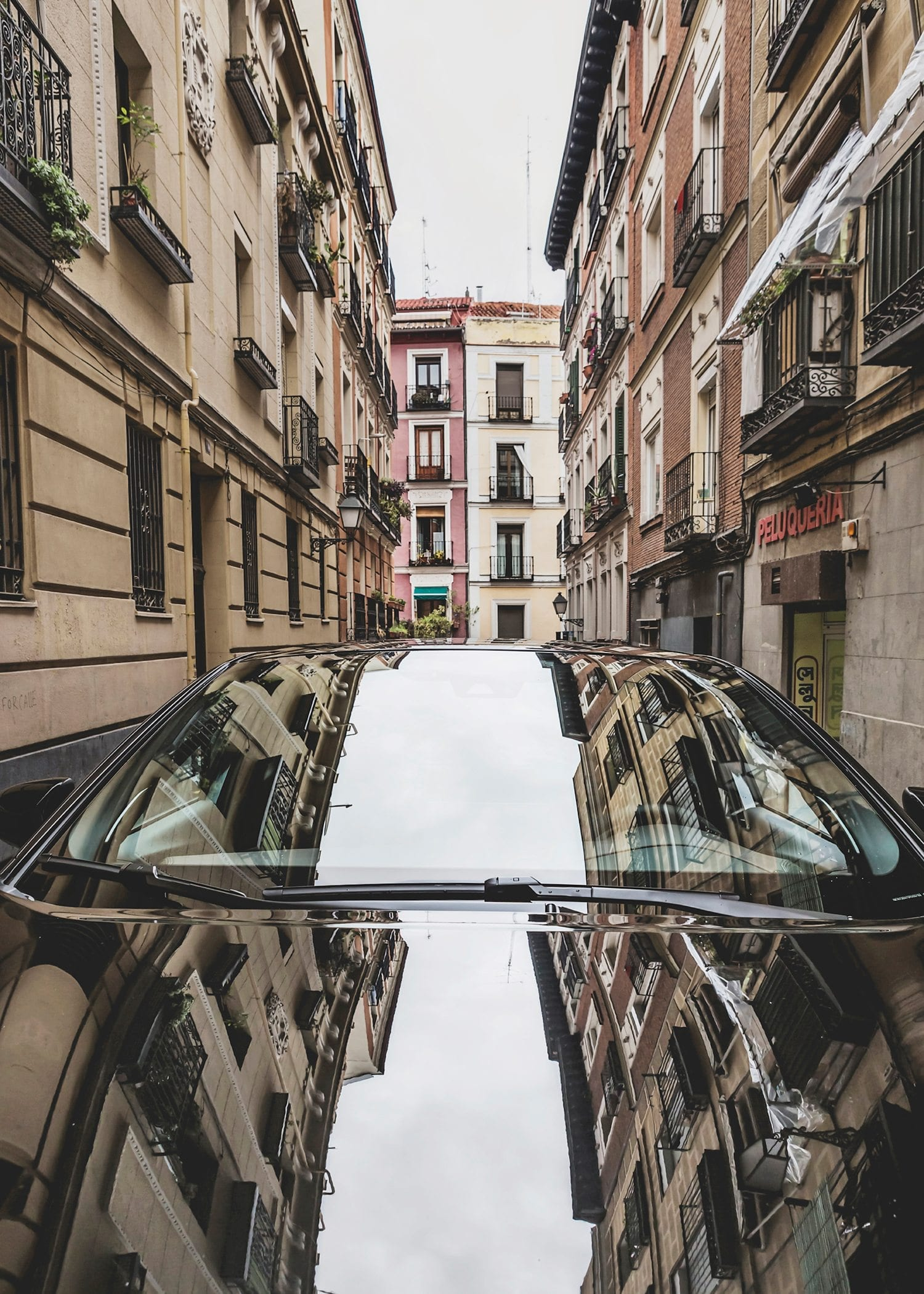 Urban reflections Madrid car Toyota C-HR Toyota Motor Europe hybrid car photography picturelyspoken SeeMyCity Marianne Hope