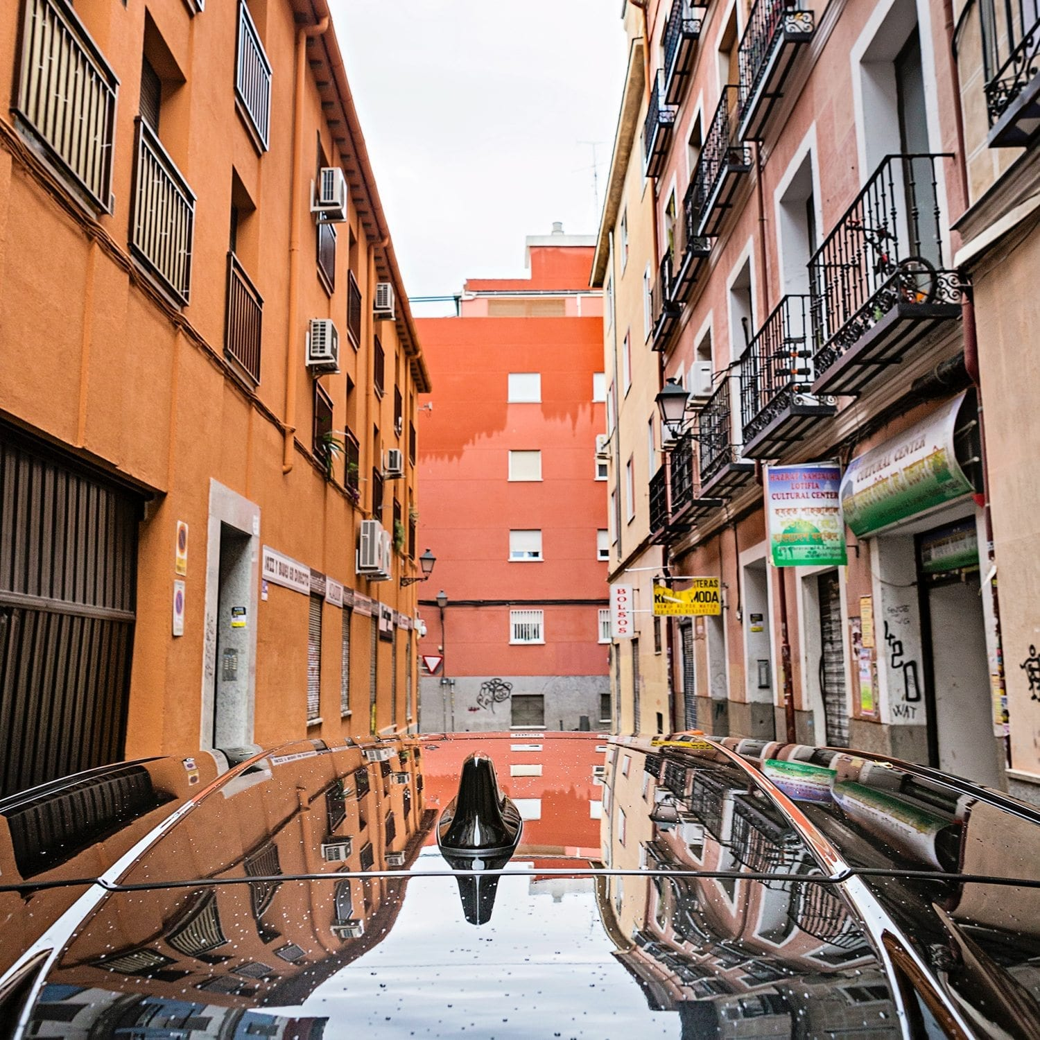 Urban reflections Madrid Toyota C-HR Toyota Motor Europe hybrid car photography picturelyspoken SeeMyCity Marianne Hope
