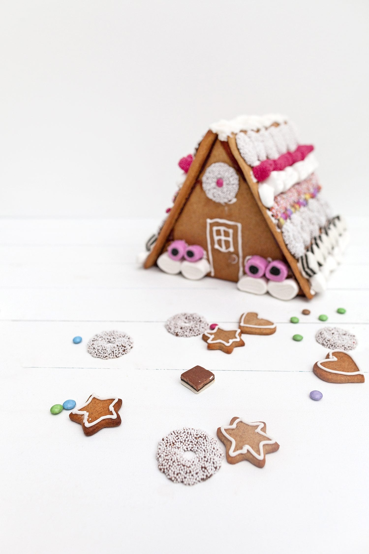 homemade scandinavian gingerbread house food cookies baking christmas traditions norwegian picturelyspoken cookies