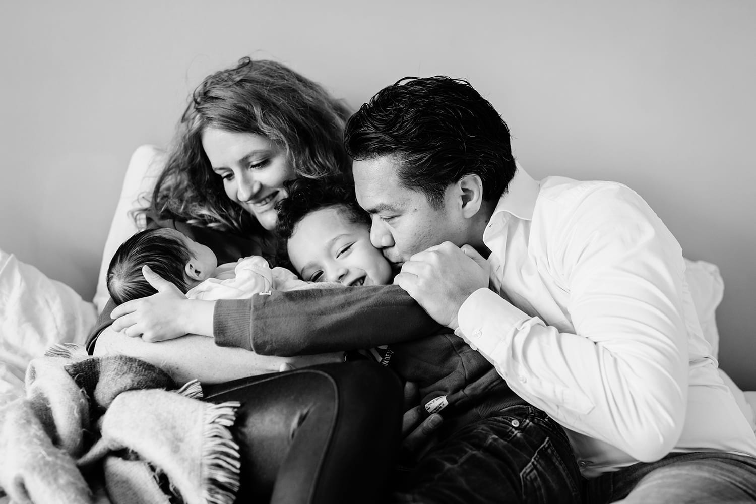 lifestyle photography family in home baby newborn girl boy kids session