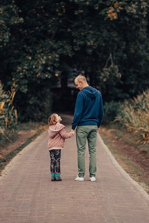 leuke familie fotoshoot - vader en dochter liefde